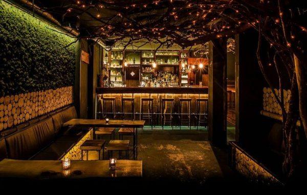 Interiør fra Clockers bar Hamburg