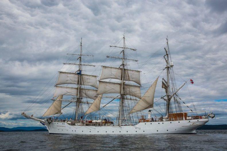 historien om navy strength gin