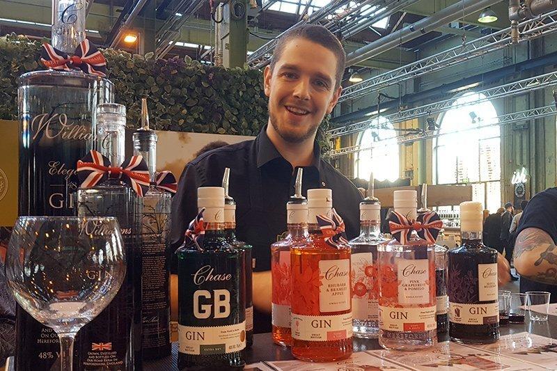 Hansens Vinhandel med Chase og mange andre Gin merker