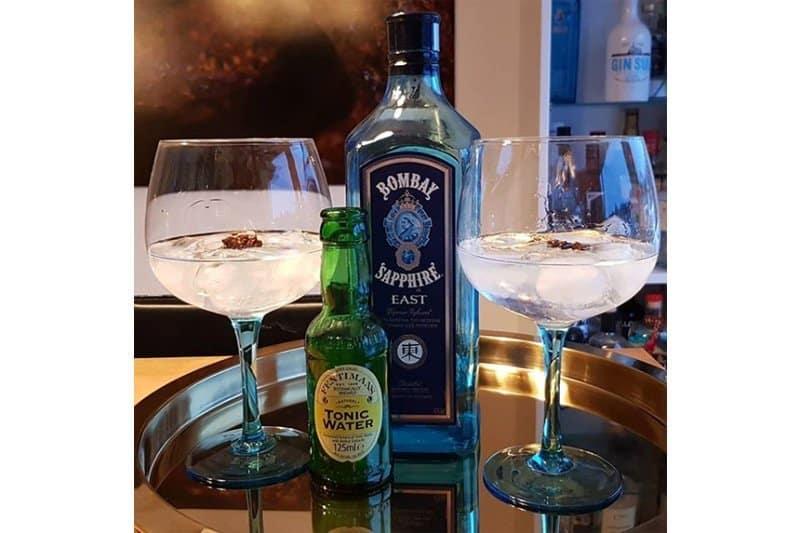 Gin-og-Tonic-med-Bombay-Sapphire-East-og-Fentiman-Indian-Tonic