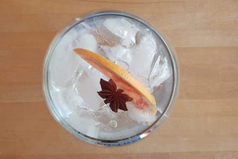Gin og tonic med Harahorn gin