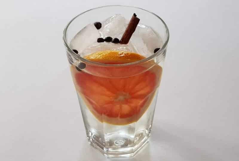 Alkoholfri Gin og Tonic. Alkoholfrie drinker
