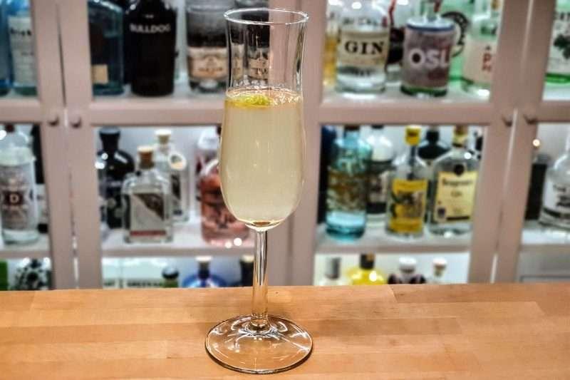 French 75 med lime - perfekt velkomstdrink til mange