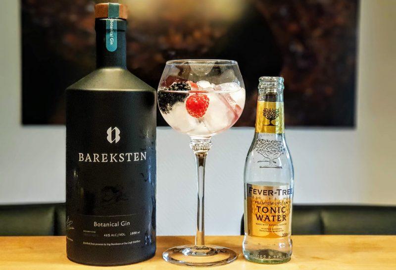 Gin-Tonic med Bareksten Gin og skogsbær