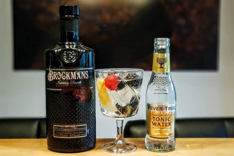 Gin-Tonic med Brockmans Gin og skogsbær