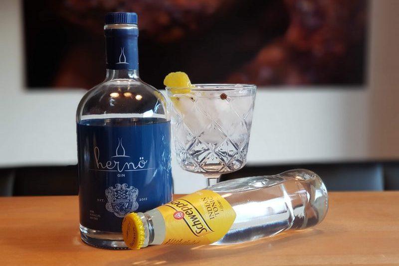 Klassisk Gin og Tonic med Hernö Gin