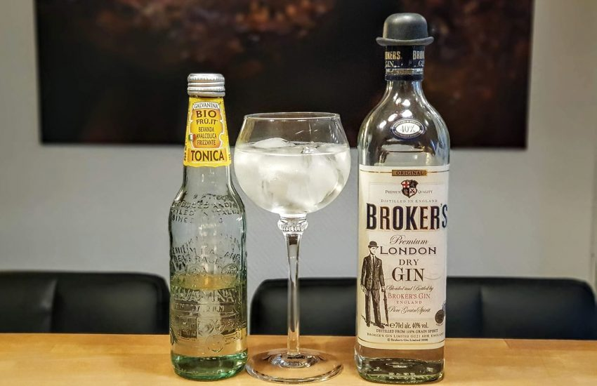 Gin og Tonic med Brokers Gin og Galvanina Tonic Water