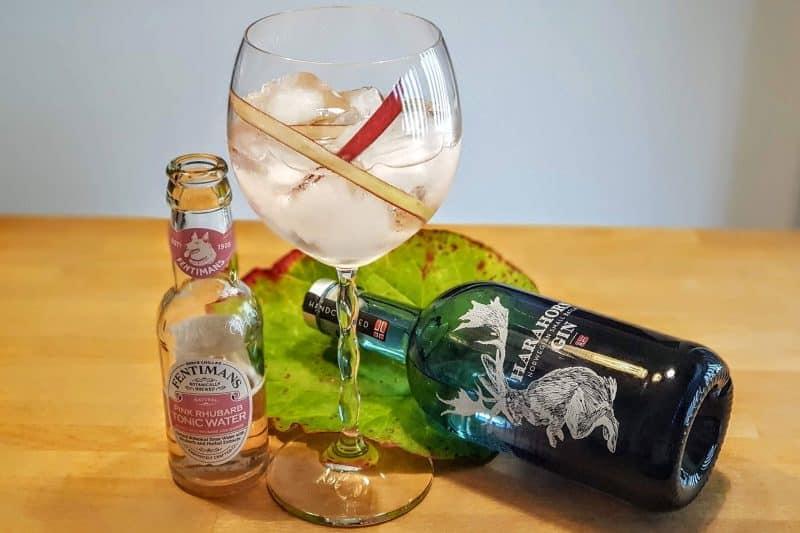 Gin og Tonic med Harahorn Gin og Fentimans Rhubarb Tonic