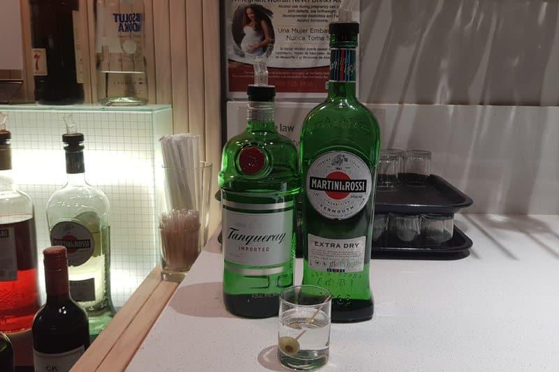 Dry Martini med Tanquerray Gin og Martini og Rossi Dry Martini Vermouth på SAS Flypass lounge i New York