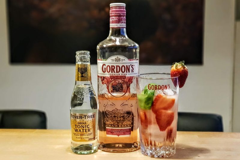 Gin og Tonic med Gordons Pink Gin