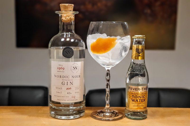 Gin og Tonic med Nordic Noir Gin