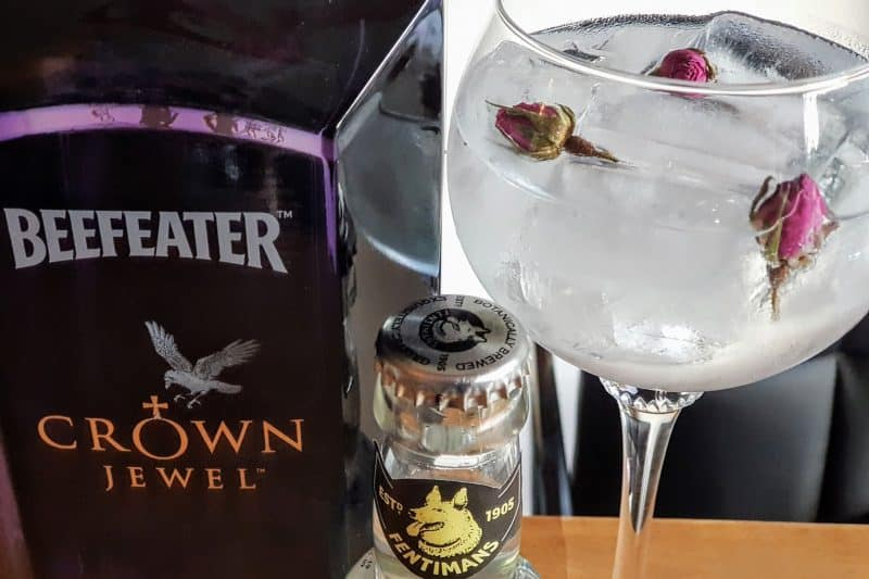 Gin og tonic med Beefeater Crown Jewel Gin