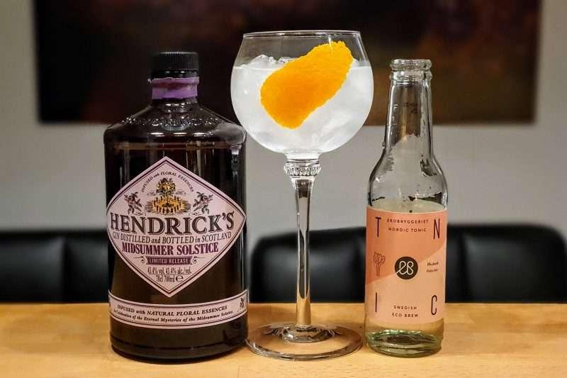 Gin og Tonic med Hendricks Midsummer Solstice Gin