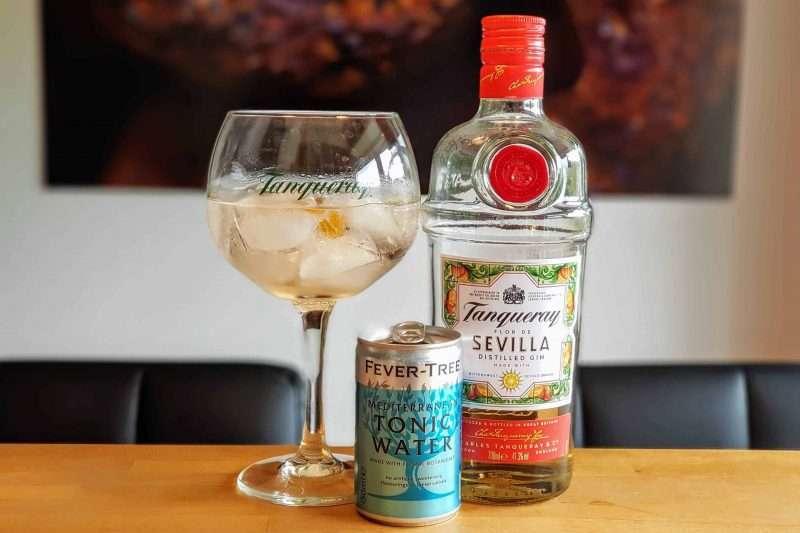 Gin og Tonic med Tanqueray Sevilla