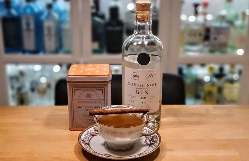 Honning og kanel-te med Nordic Noir Gin