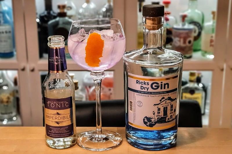 Gin og Tonic med Ricks Blue Dry Gin