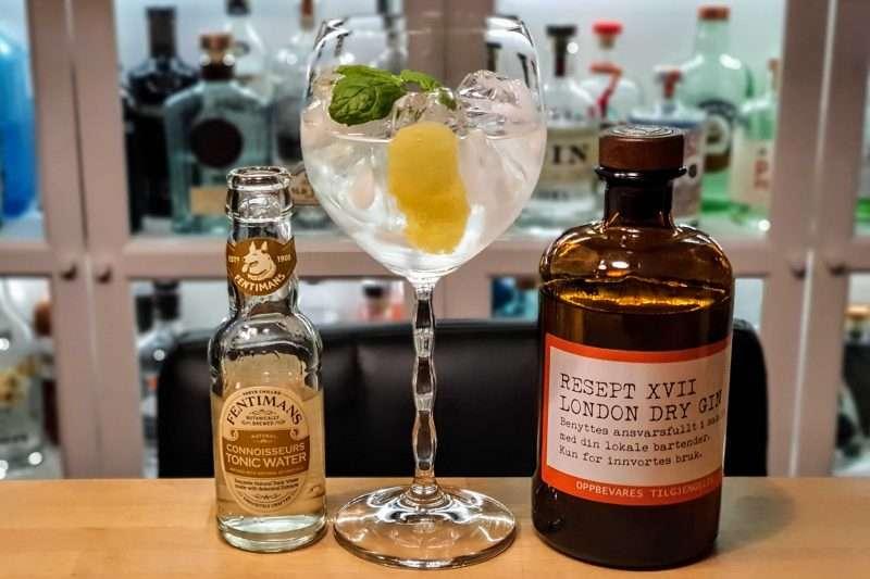 Gin og Tonic med Resept XVII Gin