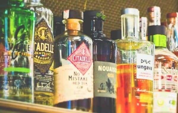 Finn tonic og garnityr til din gin