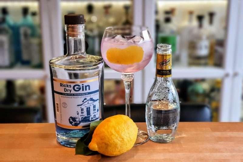 Gin Tonic med Ricks Blue Dry Gin