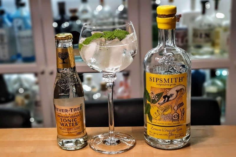 Gin og Tonic med Sipsmith Lemon Drizzle Gin