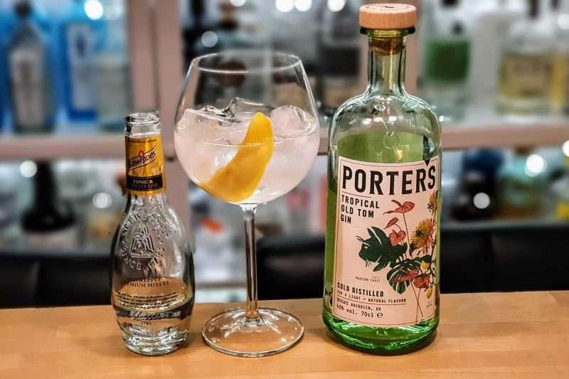 Gin-Tonic med Porters Tropical Old Tom Gin og mango