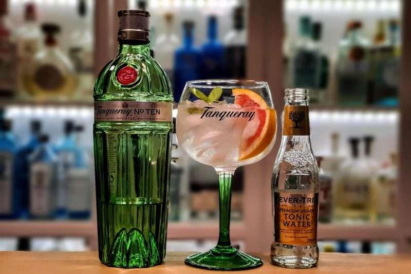Gin og Tonic med Tanqueray Ten og grapefrukt