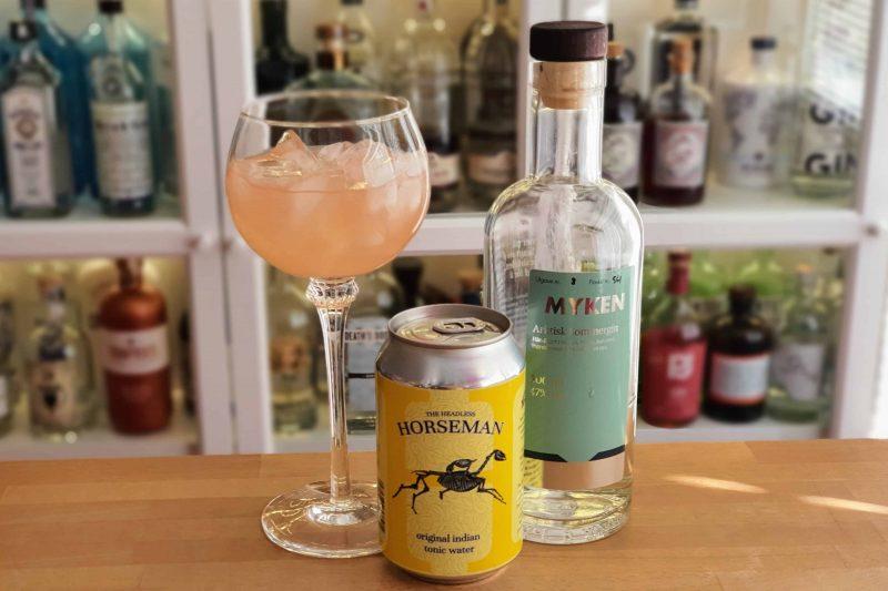 Gin Tonic og rosa grapefruktjuice med Myken Sommergin