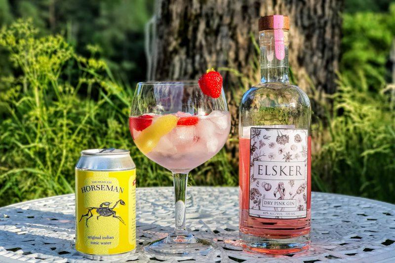 Gin og Tonic med Elsker Dry Pink Gin