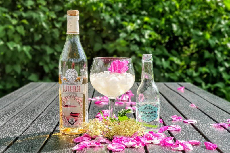 Gin Tonic med Fjæra Rose Gin