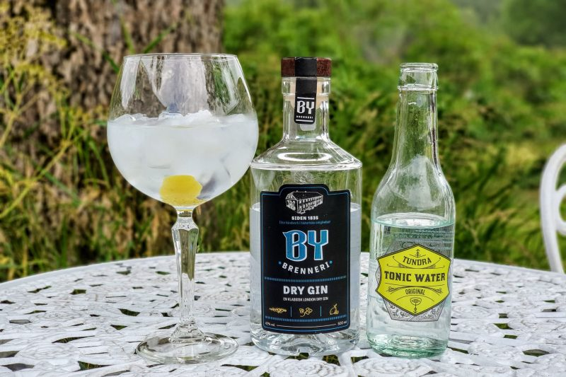 Gin og Tonic med By Brenneri Dry Gin
