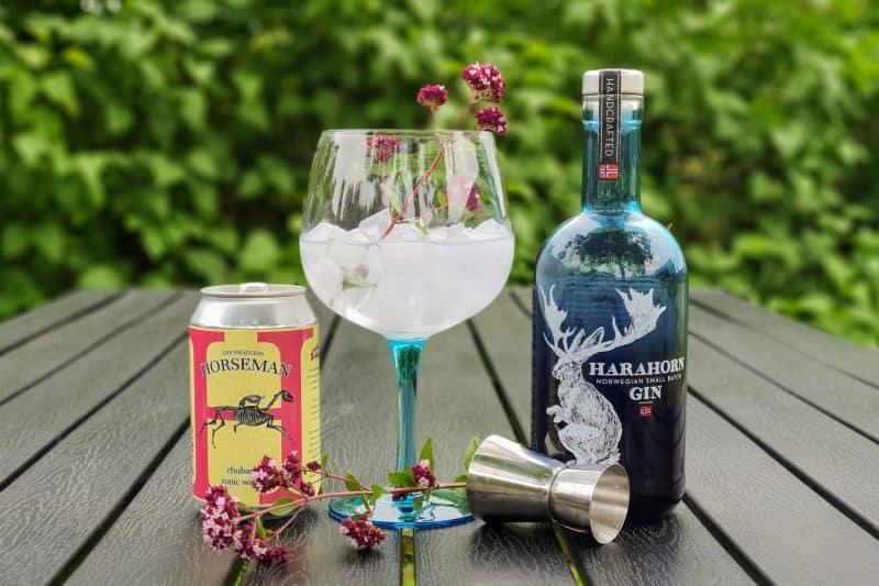 Gin og Tonic med Harahorn og bergmynte