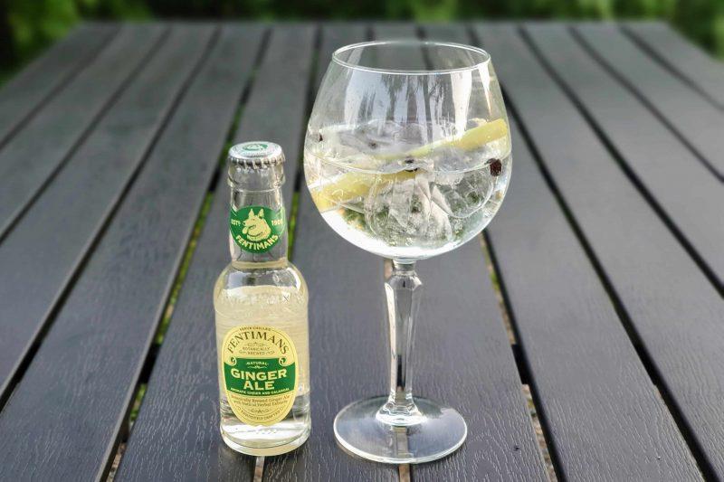 Alkoholfrie alternativ til fest - Fentimans Ginger Ale med einer og sitrongress