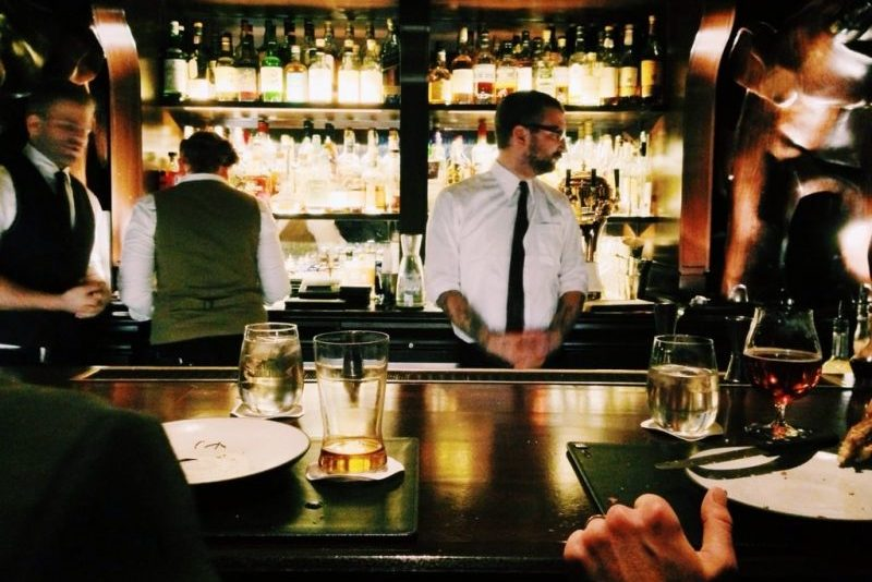World bartender day. Merkedag gin