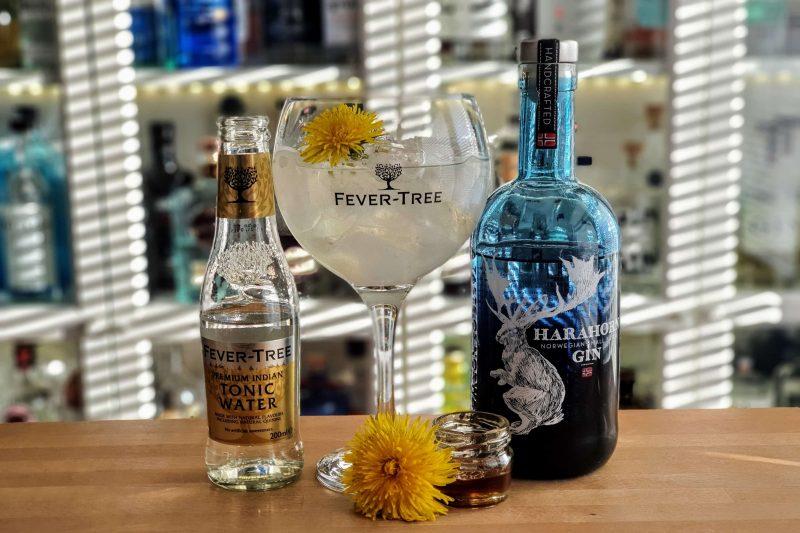 Harahorn Gin og Tonic med Løvetannsirup