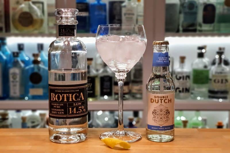 Gin og Tonic med Botica Low og sitron