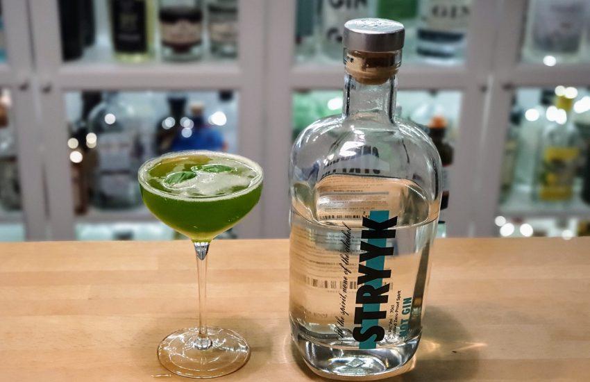 Hvit måned - alkoholfri Gin Basil Smash