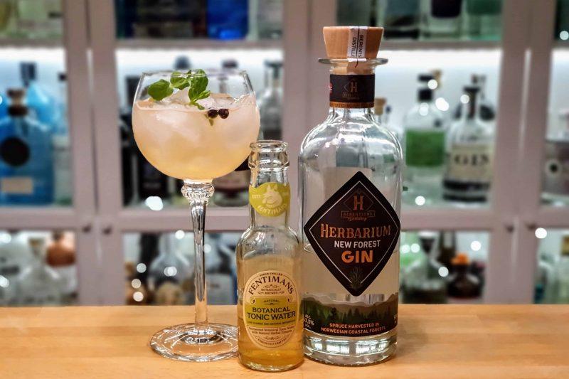 Botanisk Gin & Tonic med Herbarium New Forest Gin