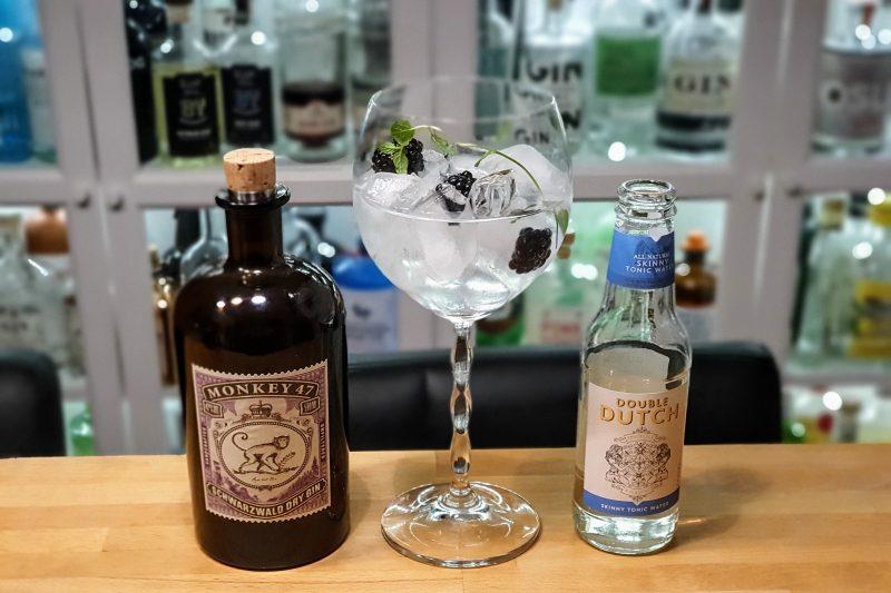 Gin Tonic med Monkey 47 Gin og Bjørnebær