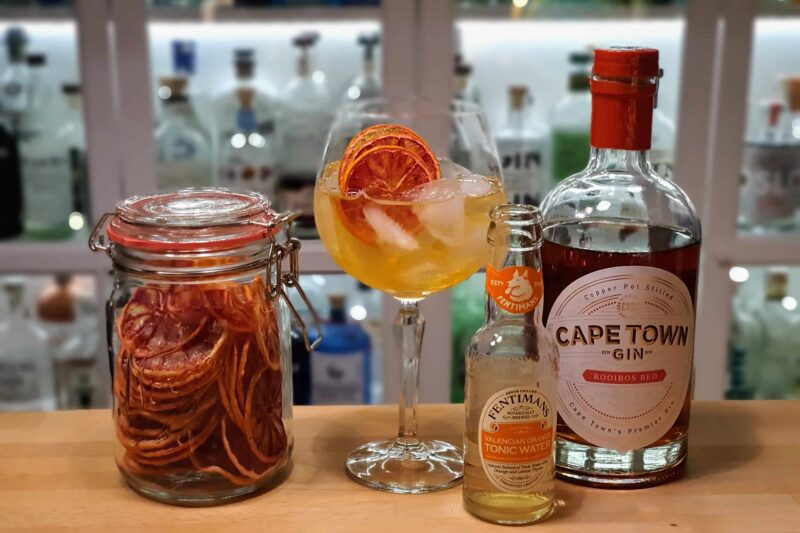 Gin og Tonic med Cape Town Rooibos Red Gin