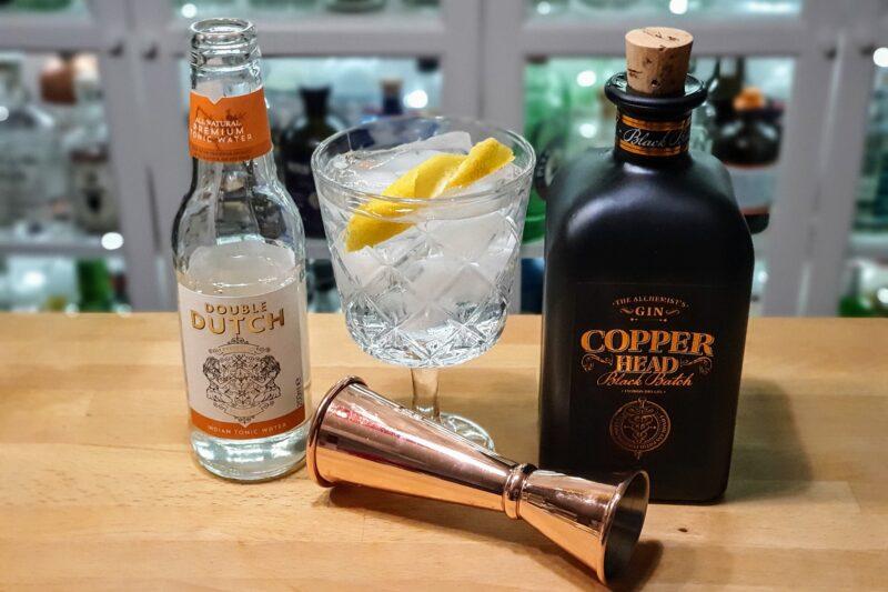 Gin og Tonic med Copperhead Black Batch Gin