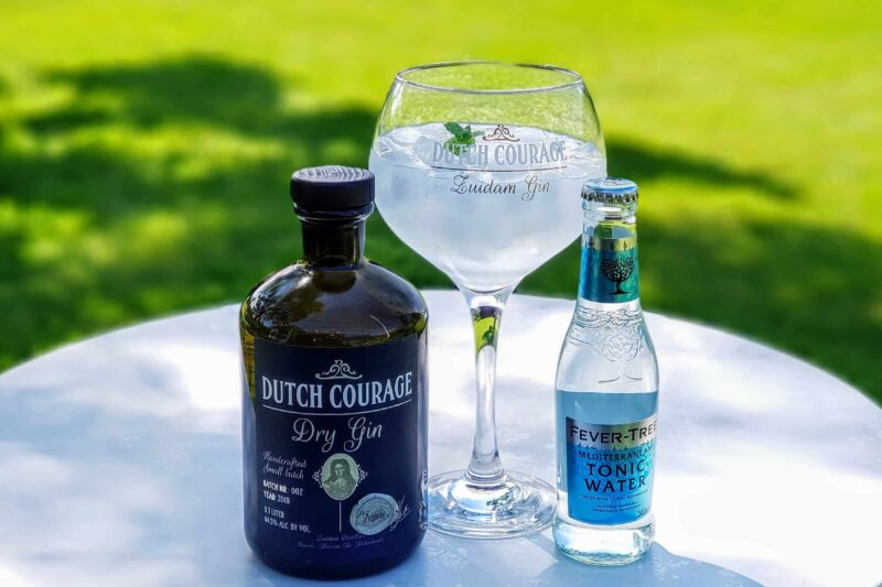 Gin og tonic med Dutch Courage Dry Gin
