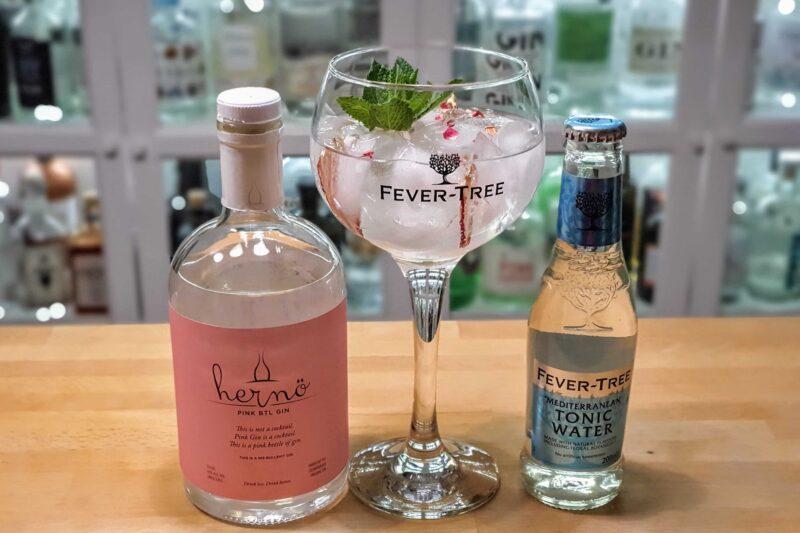 Gin og tonic med Hernö Pink BTL Gin