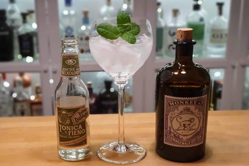 Botanisk Gin og Tonic med Monkey 47 Schwarzwald Dry Gin
