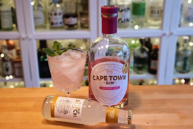 Cape Town The Pink Lady Gin og Ingefærøl