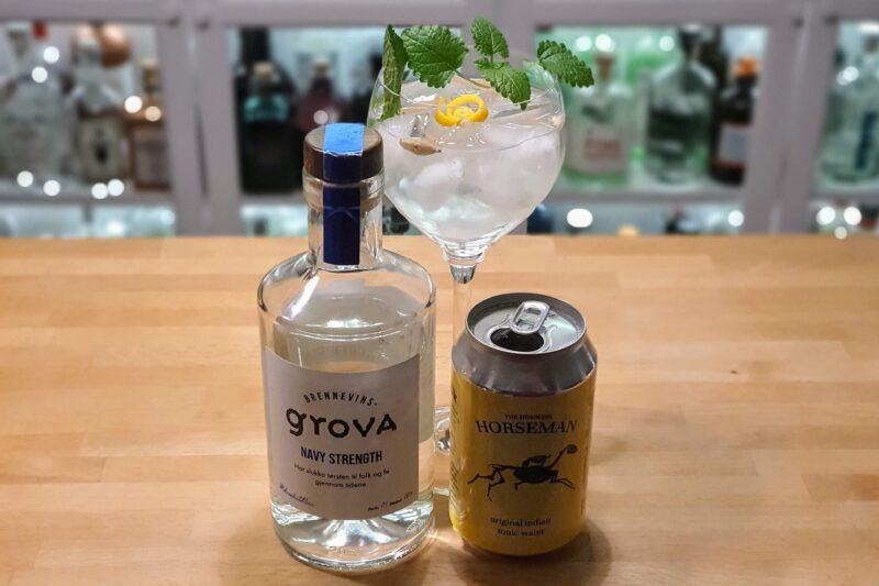 Gin og Tonic med Brennevinsgrova Navy Strength Gin