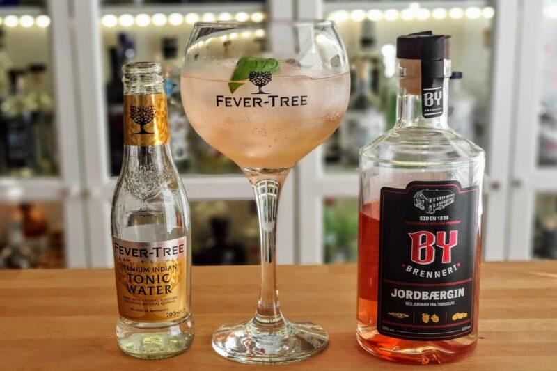 Gin og Tonic med By Brenneri Jordbærgin