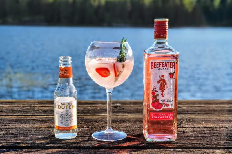 Gin og Tonic med Beefeater Pink Strawberry Gin
