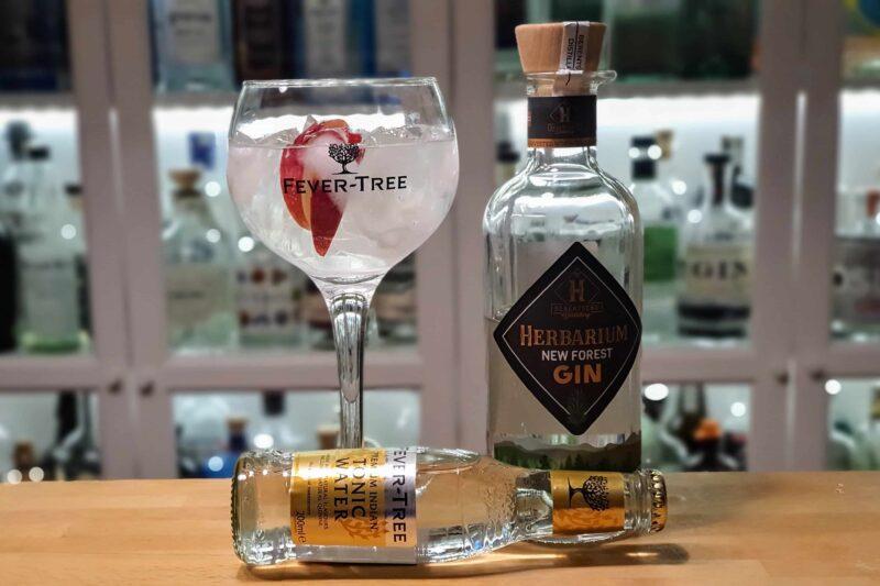 Gin og Tonic med Herbarium Gin