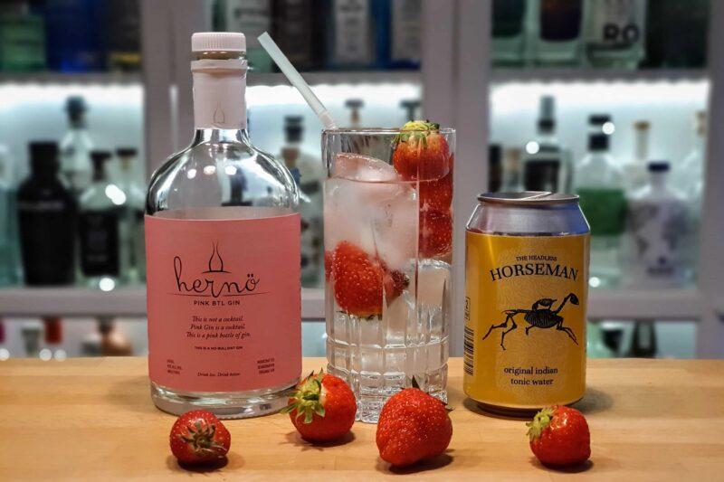 Jordbær-GT med Hernö Pink BTL Gin