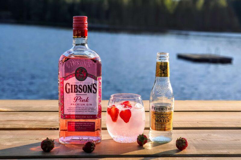 Gin og Tonic med Gibson's Pink Premium Gin